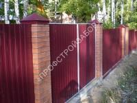 Ворота в заборе из профнастила